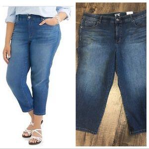 Terra & Sky Capri Boyfriend Jeans